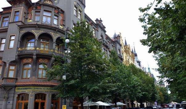 Паризька вулиця