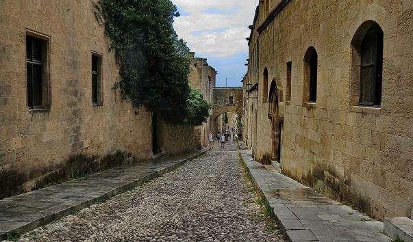 Вулиця Лицарів (Иппотон)