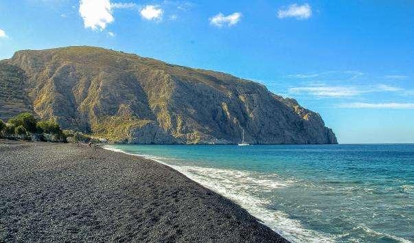 Чорний пляж