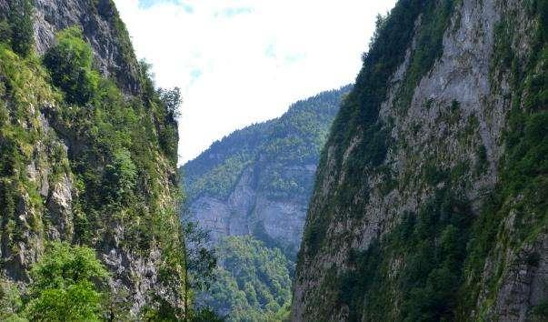 Юпшарский каньйон «Камяний мішок»