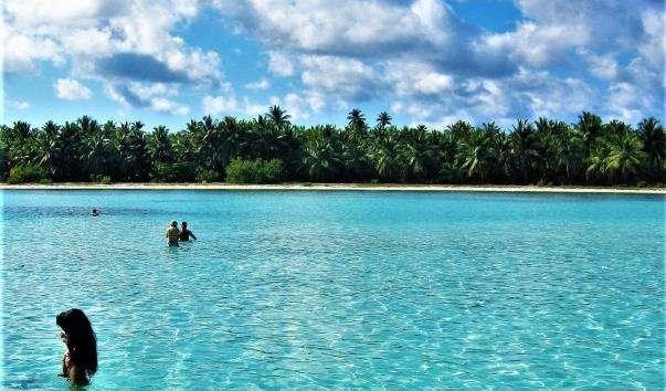 Природний басейн у Карибському морі