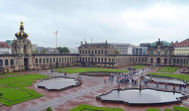 Дрезденський архітектурний комплекс Цвінгер