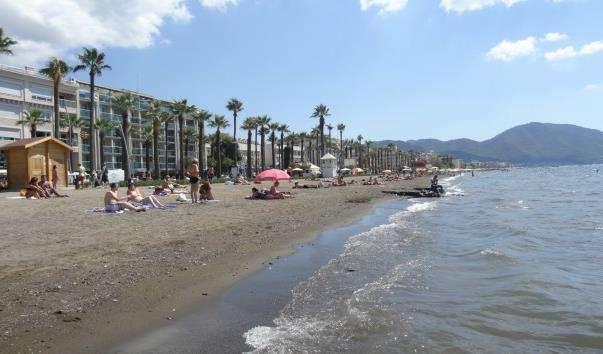 Міський пляж Мармаріса