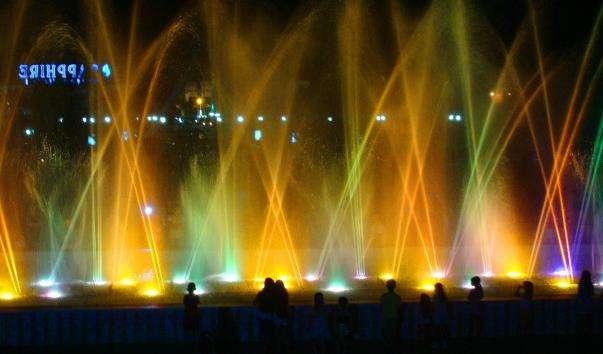 Співаючі фонтани у Хургаді