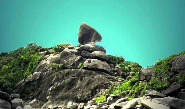 Камінь Парус