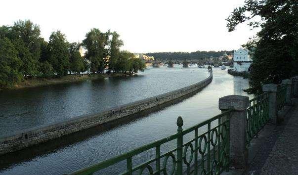 Набережна річки Влтави