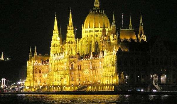 Будівля Парламенту в Будапешті