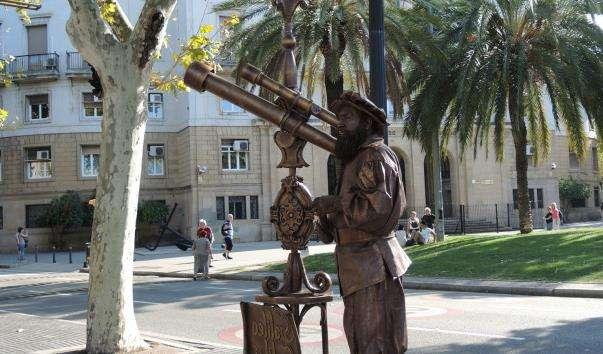 Живі статуї Барселони