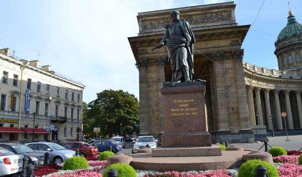 Памятник Барклаю-де-Толлі