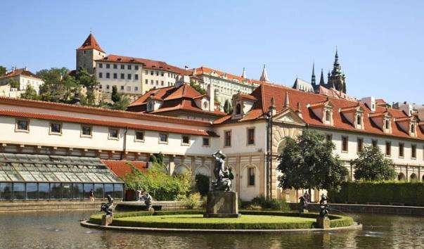 Валдштейнский палац