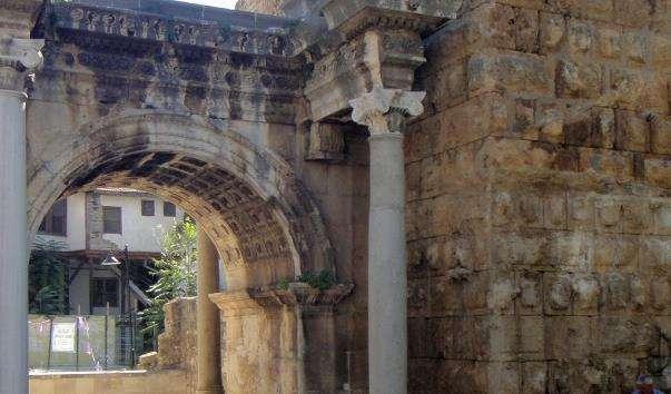 Ворота Адріана