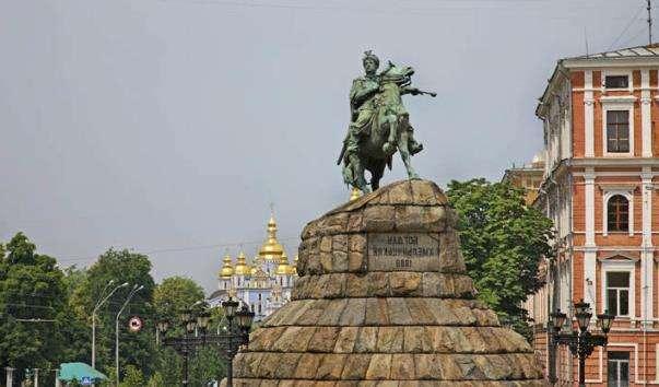 Памятник Богдану Хмельницькому