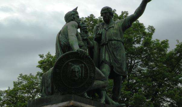 Памятник Мініну і Пожарському