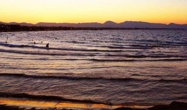 Пляжі Салоу