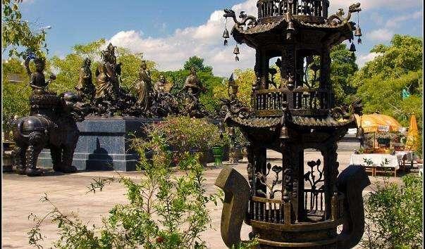 Китайський храмово-музейний комплекс Віхарн Сиен