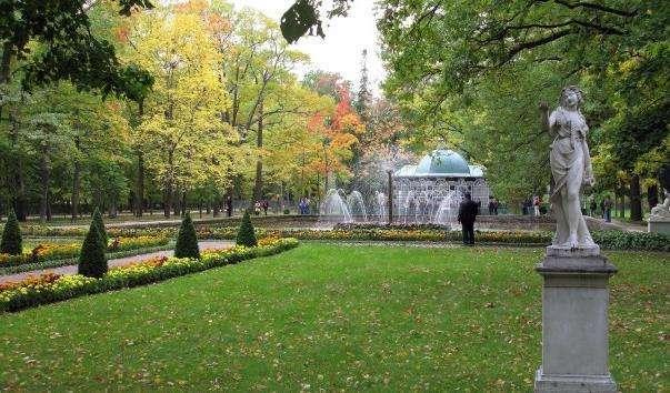 Нижній парк Петергофа